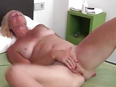Sexy solo blonde mature masturbates box tubes