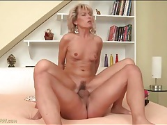 Tight mom vagina bounces on big young dick tubes