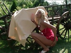 Hot blonde gets naked and blows a dildo outdoors tubes