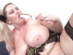 Fat chick in fishnets masturbates her pussy solo tubes