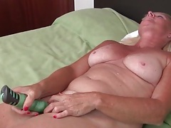 Solo freckled granny vibrates her hot pussy tubes