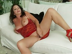 Slutty heels and sexy dress on masturbating mature tubes