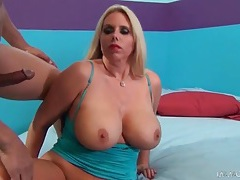 Curvy bimbo gives a titjob and blowjob tubes