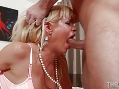 Bitch opens her mouth for a hot facefuck tubes