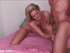 Big tits milf sucks off a muscular guy tubes