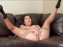 Curvy london keyes masturbates in stockings tubes