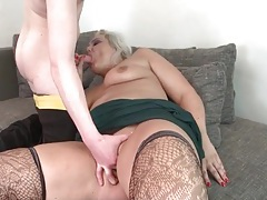 Teenage guy blown by a chubby mature tubes
