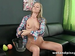 Cute girl pours her piss on her head tubes