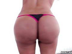 Fat latina ass is perfect in close up tubes