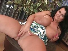 Fat mature fondles her beautiful big tits tubes