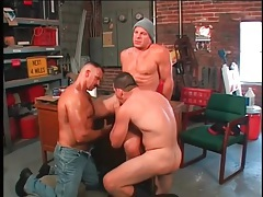 Gay bears worship cock in hot threesome tubes