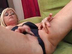 Horny solo mature blonde masturbates vagina tubes