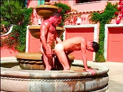 Fit daddy fucks bottom ass in a fountain tubes