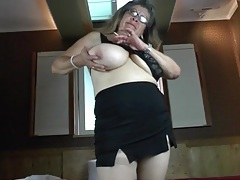 Mature with big hanging titties takes off bra tubes