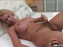Tgirl milf with a firm ass strokes solo tubes