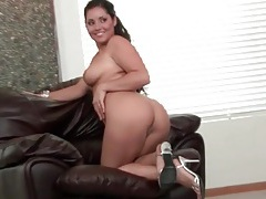 Curvy body girl in skimpy clothes sucks dick tubes