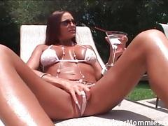 Cheyenne hunter blows the pool boy tubes