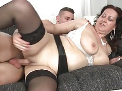 Smooth mature vagina fucked by young shaft tubes
