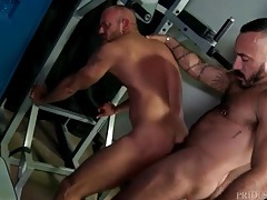 Locker room rimjob and anal with hot bears tubes