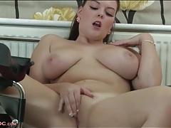 Curvaceous brunette finger fucks her vagina tubes