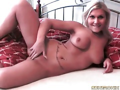 Amateur blonde gets naked in bed to tease you tubes