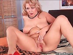 Big young dick sucked on by blonde mature tubes