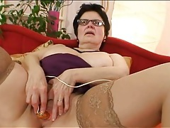 Chubby mommy in glasses masturbates solo tubes
