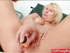 Dildo fucking and speculum exam for old pussy tubes