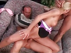 Double penetration of a blonde in high heels tubes