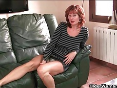 Amateur redhead mature strips to play with her cunt tubes