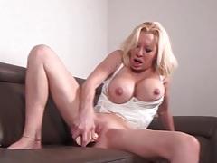 Mature with big fake tits fucks a dildo tubes