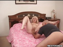 Plumper licked on her hot box by a bald guy tubes