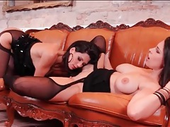 Euro lesbian zafira fingered by a beauty tubes