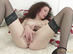 Leggy old lady in stockings masturbates her pussy tubes