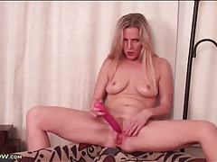 Milf snatch is all wet from lusty dildo play tubes