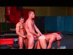 Muscular tops take turns fucking a tight ass tubes