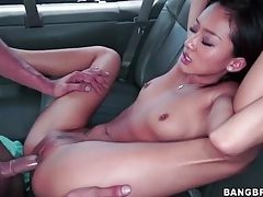 Big dick amateur dude pounds a petite asian in a van tubes