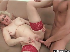 Sexy lingerie seduces him into her granny pussy tubes