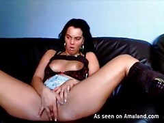 Amateur babe in sexy boots dildo fucks her pussy tubes