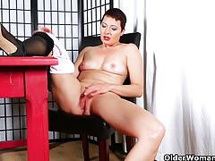 Short-haired mom can't help herself tubes