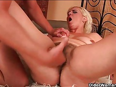 Hairy mature cocksucker finger banged in her cunt tubes