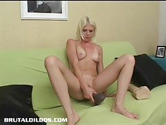 Jayda diamonde fills her pussy with a big brutal dildo tubes
