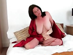 Big boobs amateur milf with an amazing bush tubes