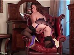 Sexy black lingerie on a masturbating milf tubes