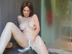 Big milf tits and ass get clean in the shower tubes