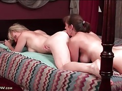 Beautiful lesbian moms lick pussy in bed tubes