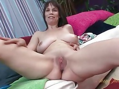 Sexy nude milf with big breasts and a bald pussy tubes
