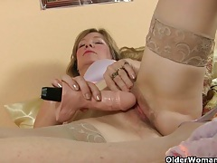 Milf in lust needs to get off tubes