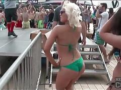 Bikinis look hot on the amateur spring break girls tubes