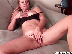 Milf katrina comes home and needs to relax tubes